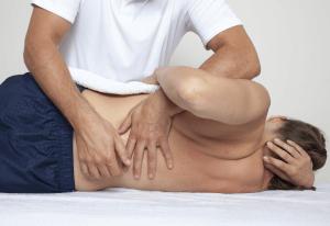 Lage-rugpijn-behandeling-300x206